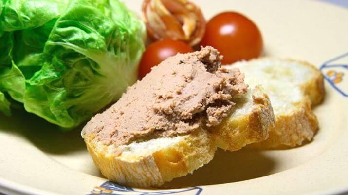 Картошка, запеченная в манке с соусом