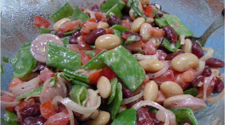 Неаполитанский салат из белой фасоли