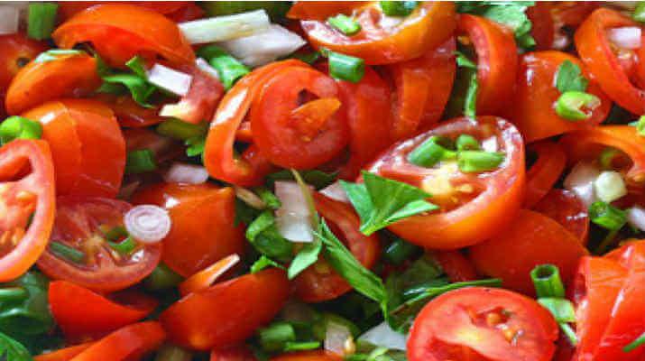 Салат из помидор по-гречески