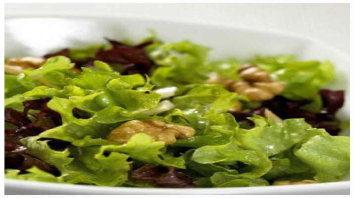 Салат из латука по-гречески