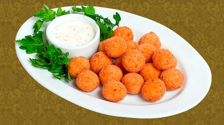 Сырно-чесночные жареные шарики