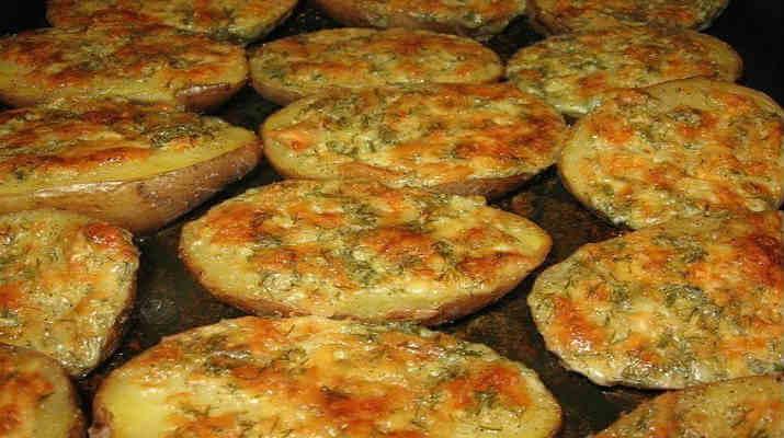 Блюда из запеченной картошки в духовке - Закуска Петушки из яиц - пошаговый рецепт с фото на