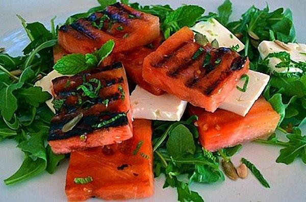 Салат-закуска с жареным арбузом