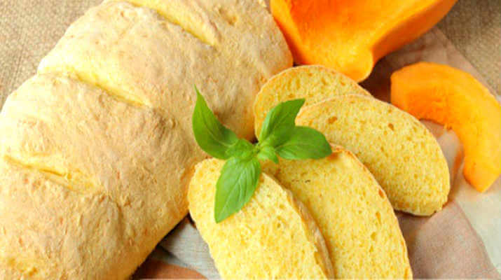 Тыквенный хлеб с чесноком