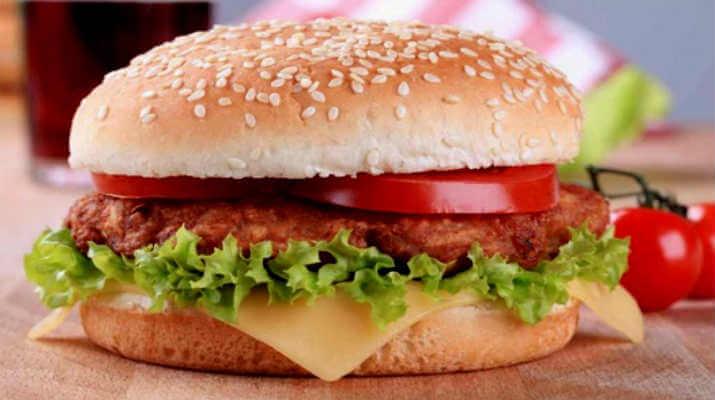 Гамбургер с домашней котлетой