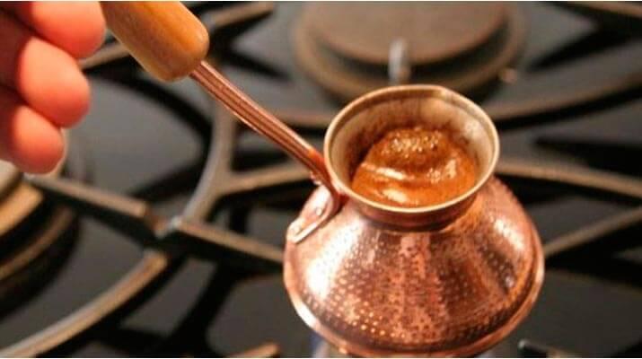 Жить без кофе, приготовленного в турке, покажется вам немыслимым! Любовь к кофе со временем мужает и крепнет, но никогда не проходит.