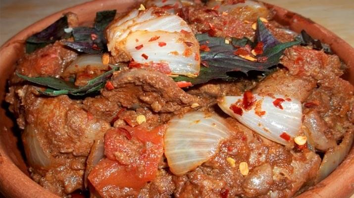 Рецепт куриной печени по-грузински поможет вам приготовить бюджетное, но очень вкусное блюдо для будничного обеда или ужин. Процесс приготовления очень простой, разберется каждый.