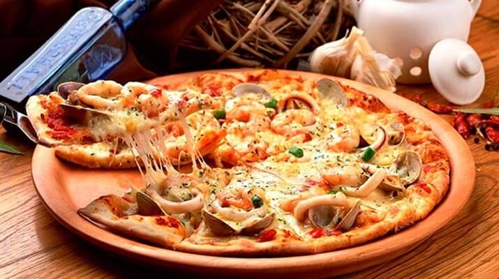 Превосходное тесто для пиццы ( любимый итальянский рецепт) + море начинок!