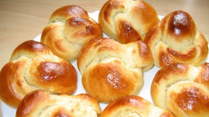 ТОП-9 рецептов закусочных рулетов к праздничному столу и на каждый день