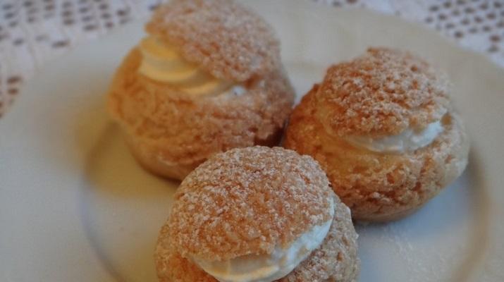 Пирожные «Шу» со сливочным медовым кремом