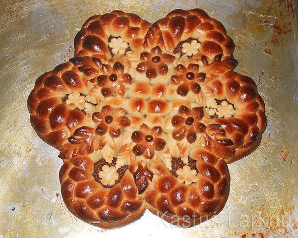 Украшение дрожжевого пирога