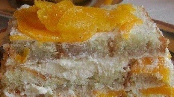 Изумительный торт без выпечки с консервированными персиками
