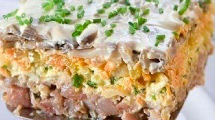 Любимый слоеный салат «Очень вкусная селедка»