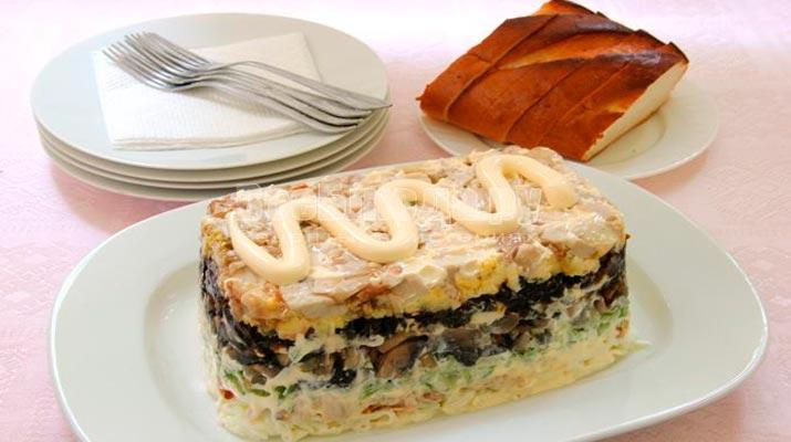 Слоенный салат «Негреско»