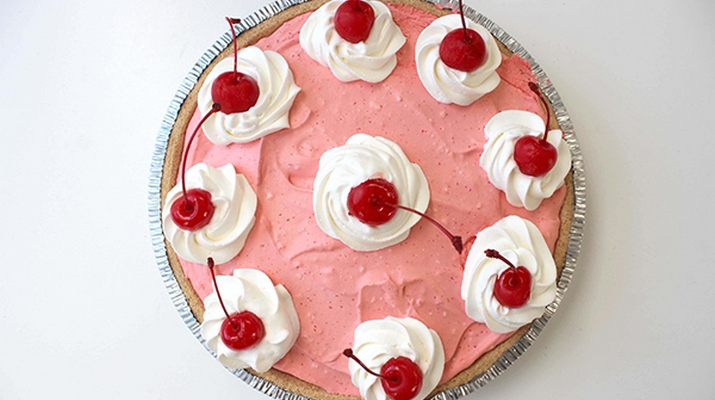 Вишневый торт без выпечки