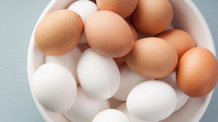 Вот чем в корне отличаются коричневые яйца от белых! Не знал, не знал…