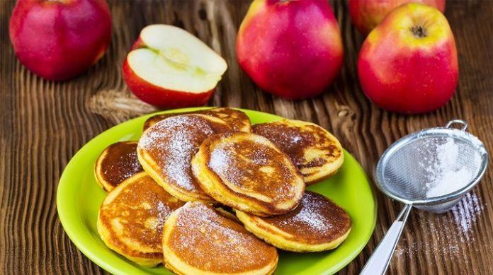 Яблочные оладьи