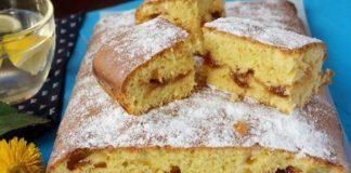 Масляный бисквитный торт с шоколадными украшениями