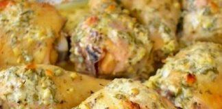 Запеченная картошка со сметаной, грибами