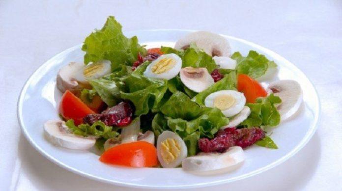 5 изысканных салатов, которые украсят твой праздничный стол и добавят разнообразия в меню