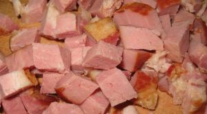Суп гороховый с копченой грудинкой