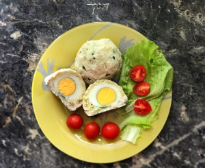 Мясные котлеты с перепелиным (куриным) яйцом