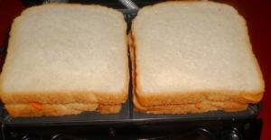 сэндвич с курицей и корейской морковью