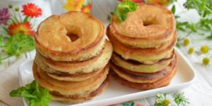 Яблочные оладьи в яблоке