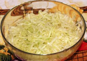 Оладьи или вафли из кабачков с зеленью