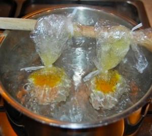рис с салатом и яйцом-пашот